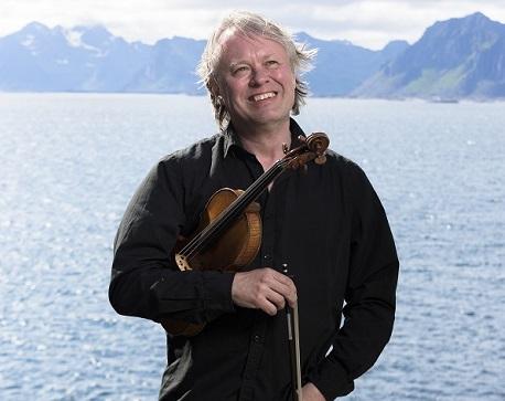 ARVID ENGEGÅRD                   Violin