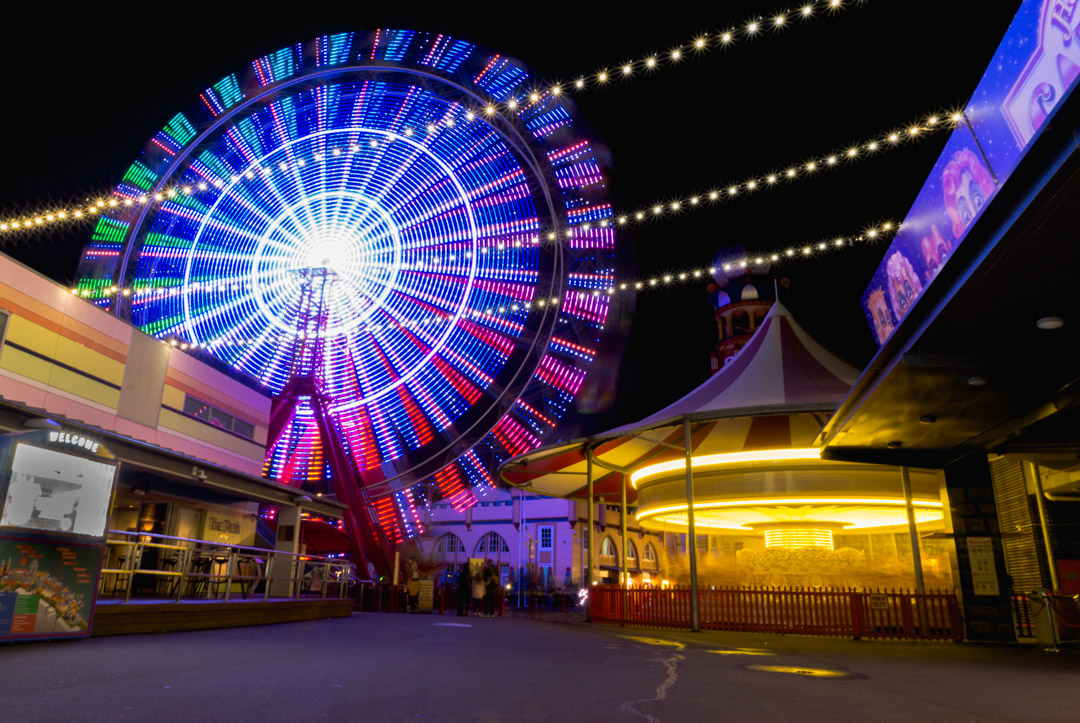 Luna-park-light-trail.jpg