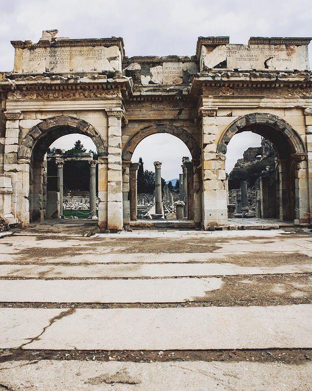 #izmir #turkey🇹🇷 #izmirliyiz #izmir🇹🇷 #izmir💖 #turkeytourism #turkeytravel #turkeystagram #turkeyinstagram #travelturkey #visitturkey #visitturkey🇹🇷 #turkeyphotooftheday #turkeylovers #turkeytrip #turkeyholiday #lovefromturkey #turkiyedegeziyorum #lonelyplanettraveller #lpguide #lonelyplanet #tripmaximizer #blackexpat #expat #expatlife  #expatexplore #expatblogger #gltlove #glt #girlslovetravel