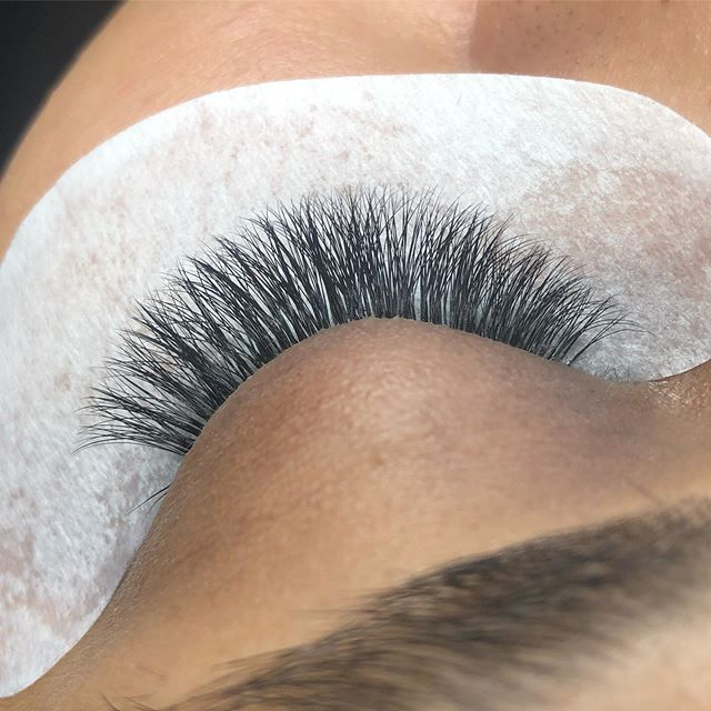 #lashes #lashextensions #halifaxlashes #halifaxlashtech #dartmouthlashes #dartmouthlashtech #halifaxbeauty #dartmouthbeauty
