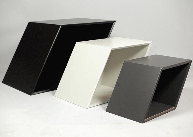 Oblik Storage System. 3 colours in 6 different sizes. #interiordesign #interior #furniture #furnituredesign #danishdesign #bookcase #danishfurniture