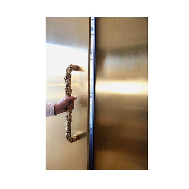 Bones handles in bronze. #interiordesign #danishdesign #bronze #interior #handle #kitchen #kitchendesign #kitcheninspo #thanatosandmors #interiør