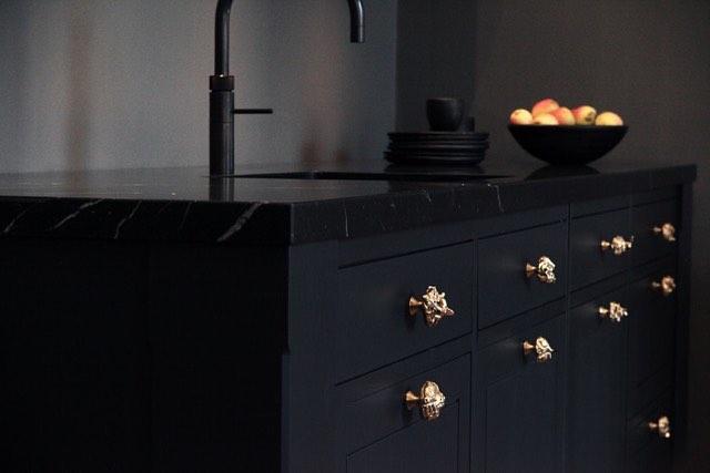 Bronze knobs, limited edition. #interiordesign #danishdesign #bronze #kitcheninspo #interiør #interior #køkken #inspiration #designinspo