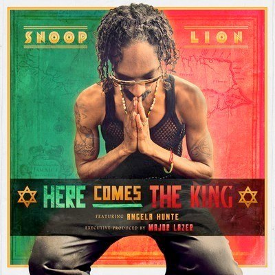 "Snoop Lion ""Here Comes the King"" Album   Photo: http://pitchfork.com/news/48812-listen-to-snoop-lions-here-comes-the-king-produced-by-major-lazer/  Accessed Spring 2013"