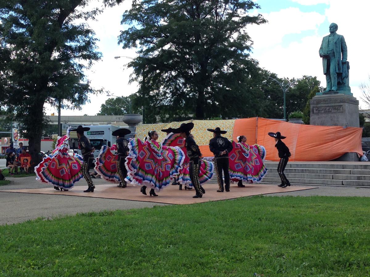 Mexican-Folkloric-Dance-Company.jpg