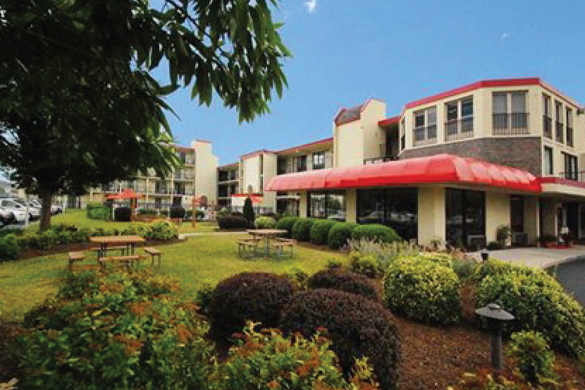 EconoLodge Rehoboth   Outdoor Pool, Minutes to the Boardwalk!  13 miles   302-227-0500