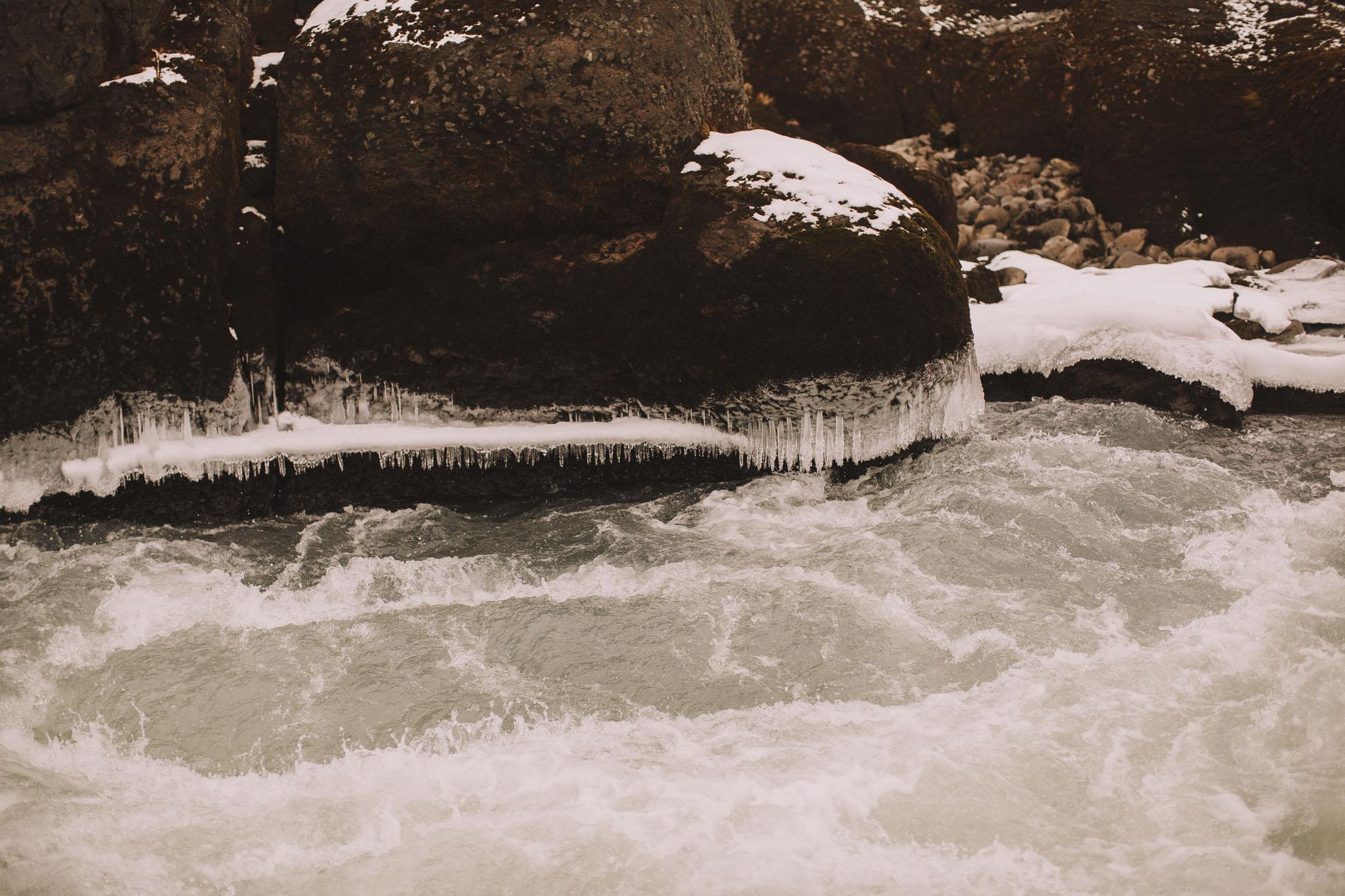 Road-trip-Islande-Iceland-Voyage-Travel-Portrait-Jérémy-Boyer-Geysir-Geysers-Horse-snow-ice-Gullfoss-25.jpg