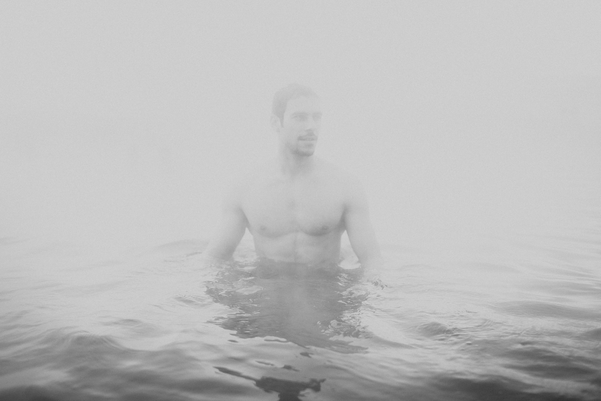 Road-trip-Islande-Iceland-Voyage-Travel-Portrait-Jérémy-Boyer-blue-secret-lagoon-hot-water-bath-1.jpg