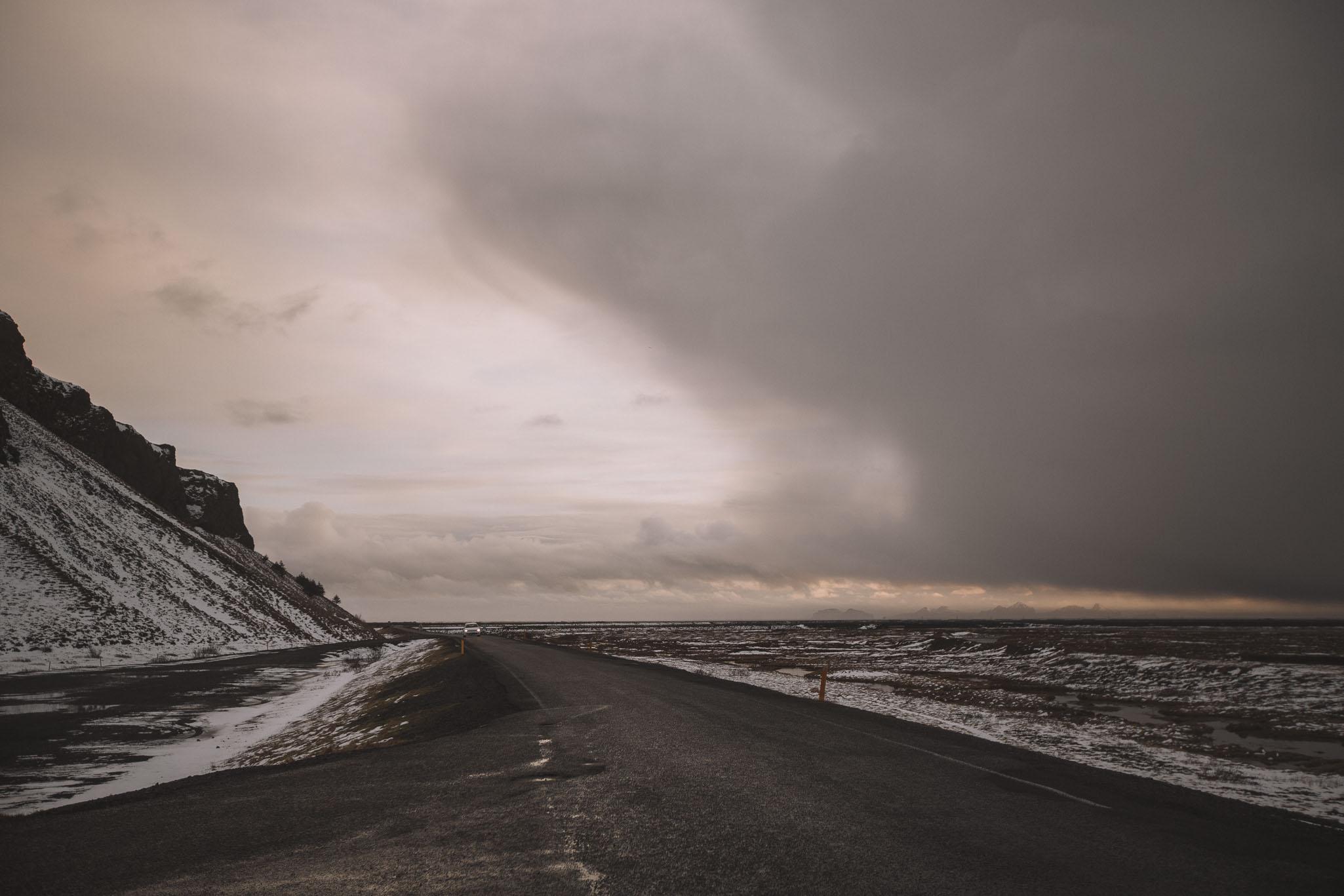 Road-trip-Islande-Iceland-Voyage-Travel-Portrait-Jérémy-Boyer-Cascade-waterfall-foss-Seljalandsfoss-1.jpg