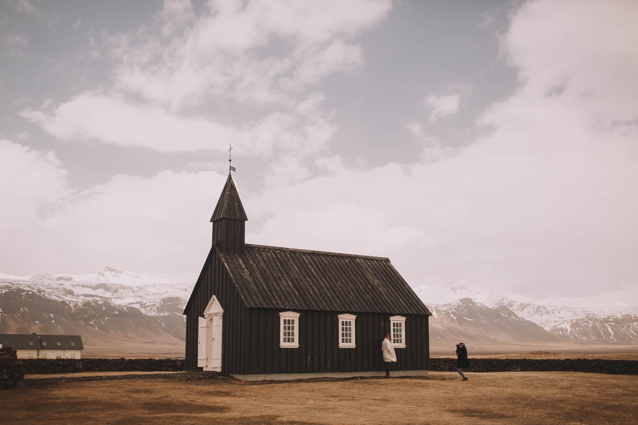 Road-trip-Islande-Iceland-Voyage-Travel-Portrait-Jérémy-Boyer-Budir-black-church-eglise-noire-2.jpg