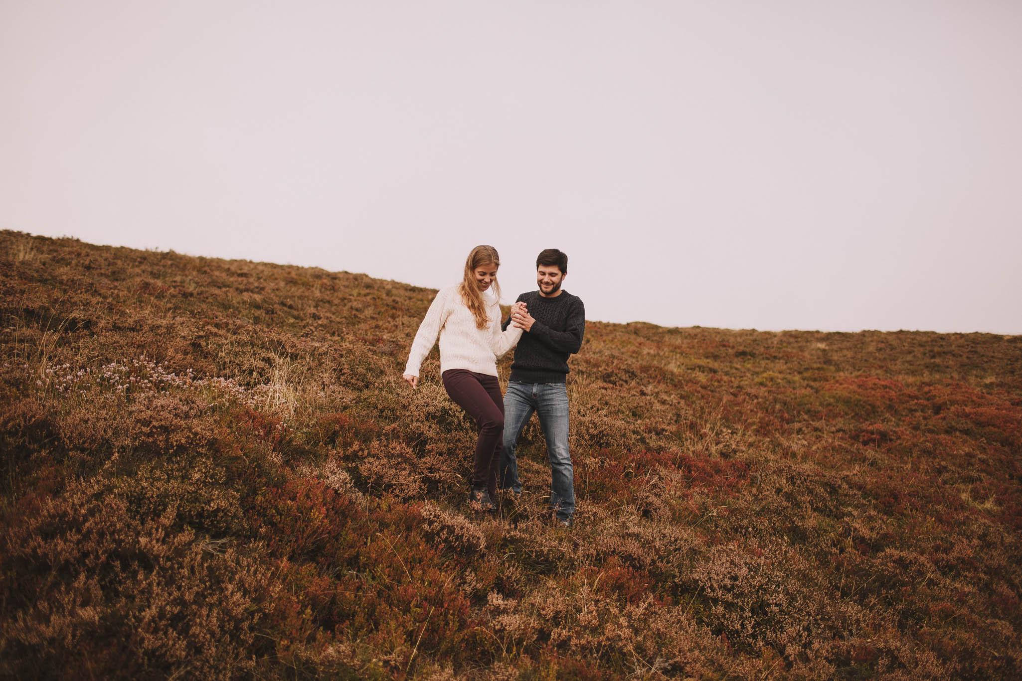 Pyrénées-mountains-wedding-photographer-jeremy-boyer-montagne-engagement-session-love-couple-12.jpg
