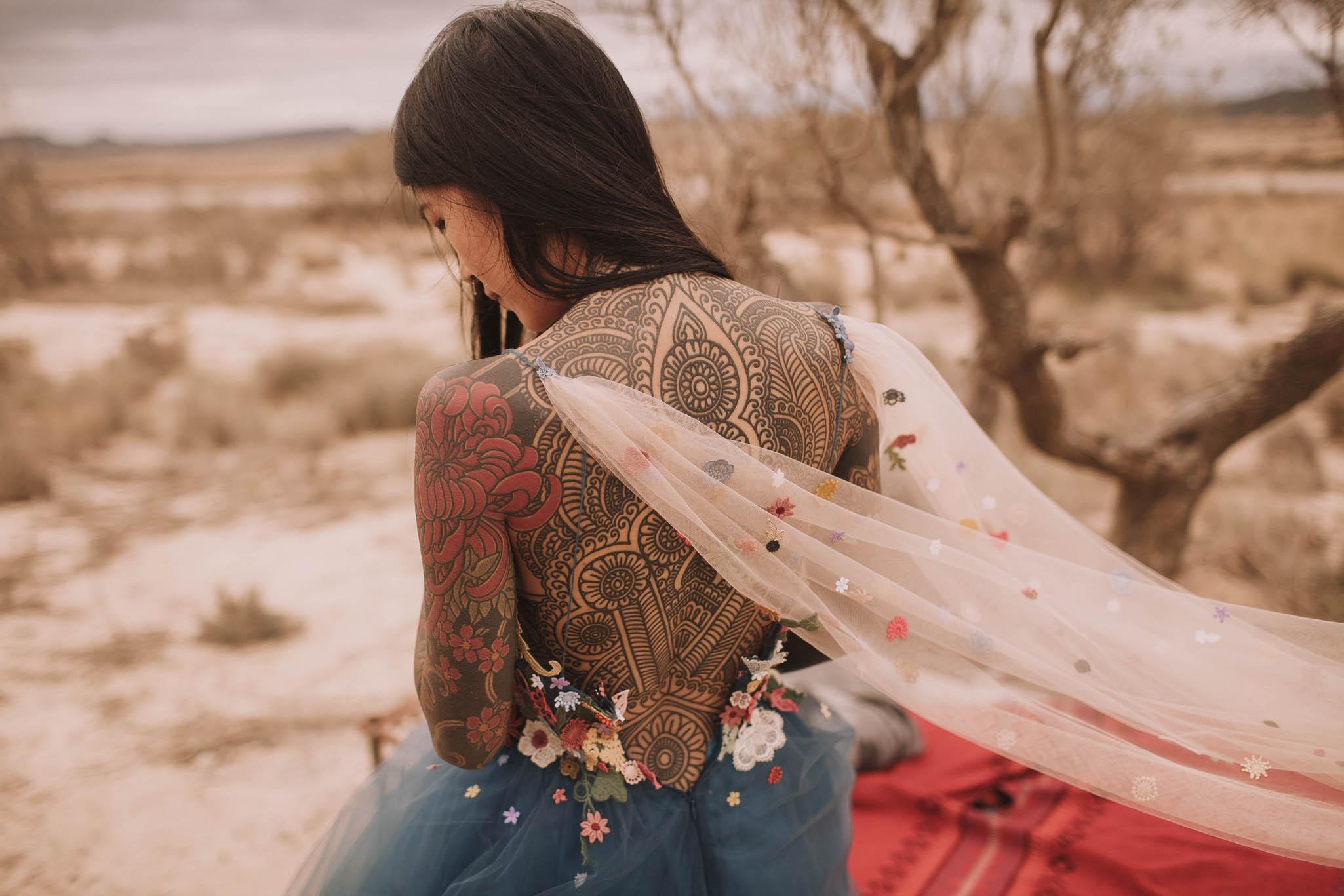 Spain-wedding-photographer-bardenas-reales-jeremy-boyer-photographe-mariage-bordeaux-floral-wedding-dress-robe-59.jpg