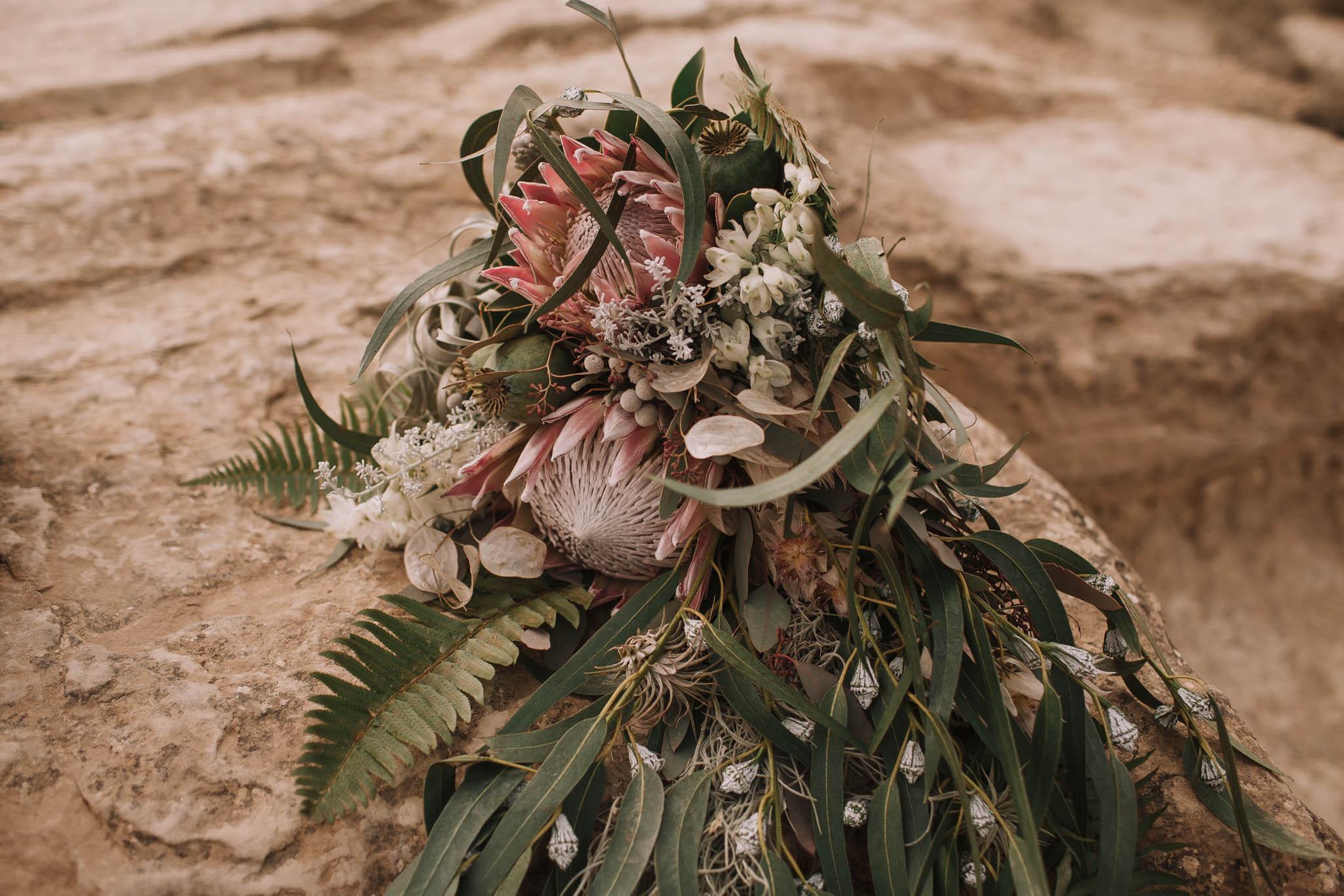 Spain-wedding-photographer-bardenas-reales-jeremy-boyer-photographe-mariage-bordeaux-floral-wedding-dress-robe-127.jpg