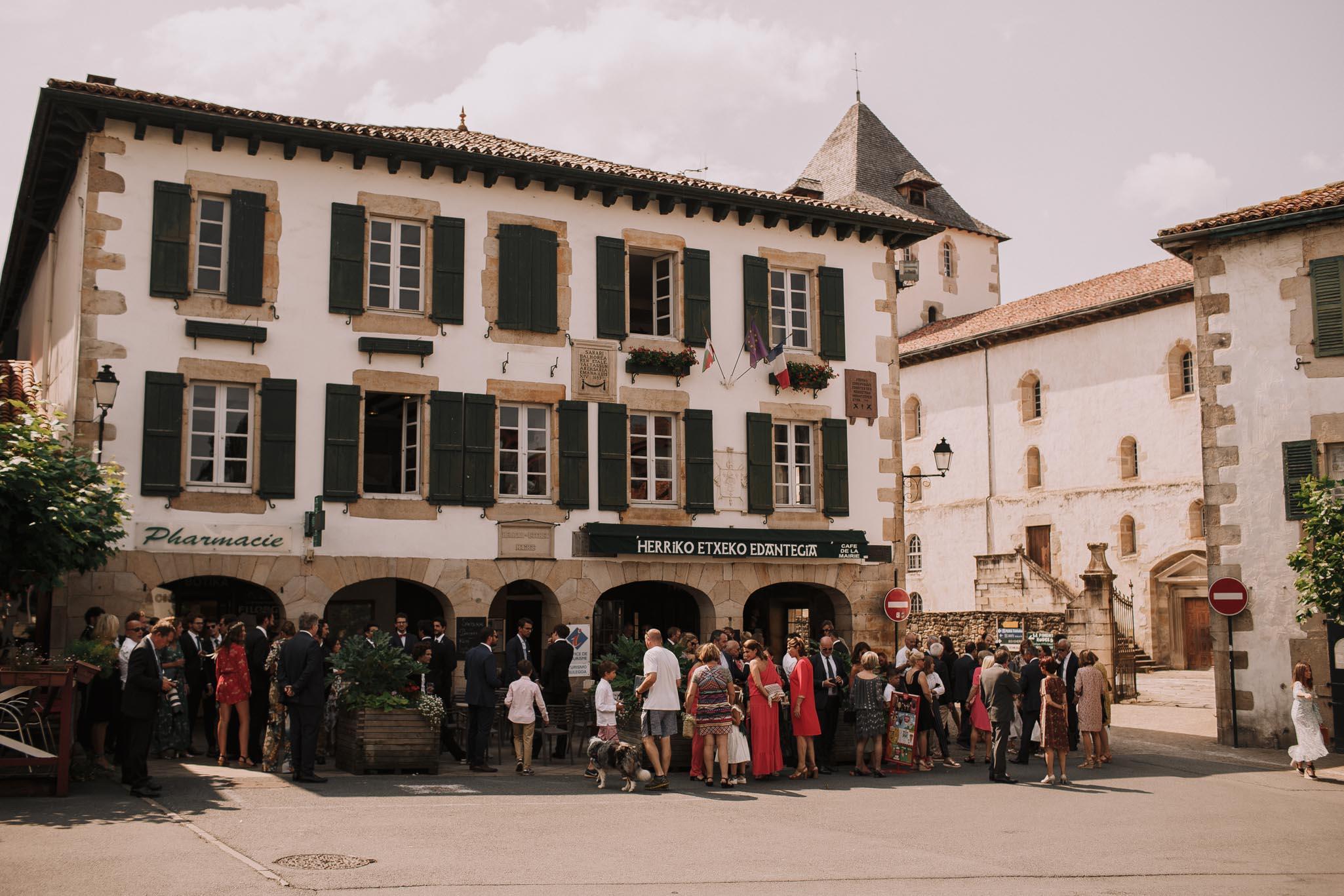 Photographe-mariage-bordeaux-jeremy-boyer-pays-basque-ihartze-artea-sare-robe-eleonore-pauc-couple-amour-47.jpg