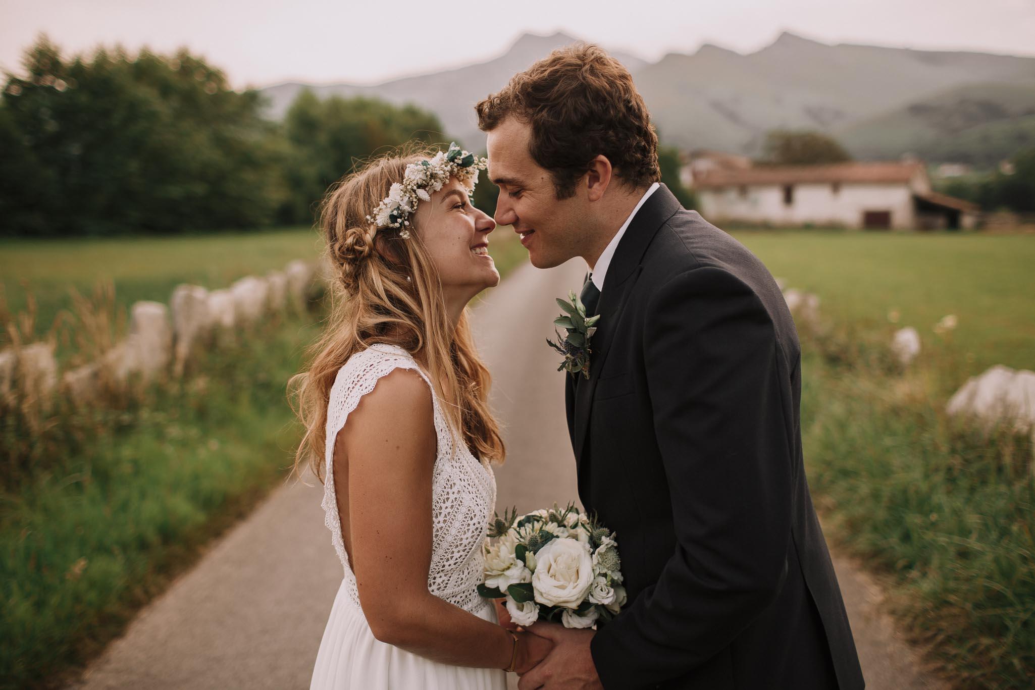 Photographe-mariage-bordeaux-jeremy-boyer-pays-basque-ihartze-artea-sare-robe-eleonore-pauc-couple-amour-120.jpg