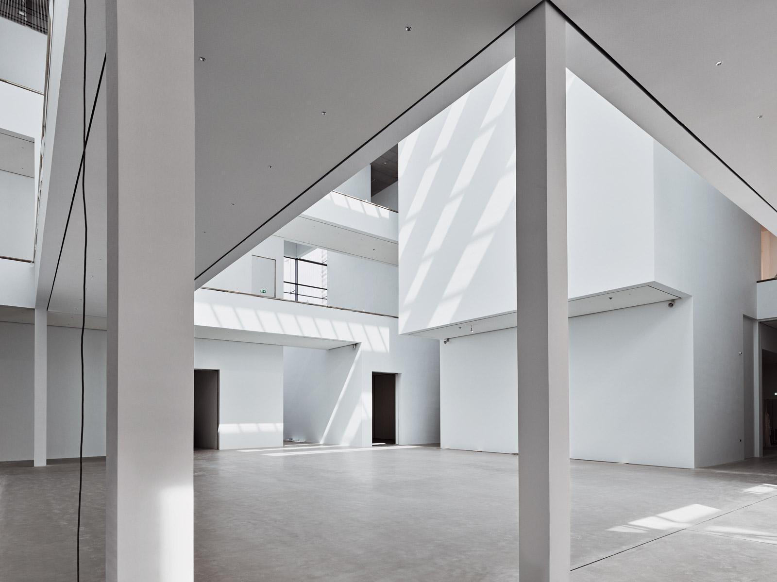 Atrium, Ebene 0  2017–07–24