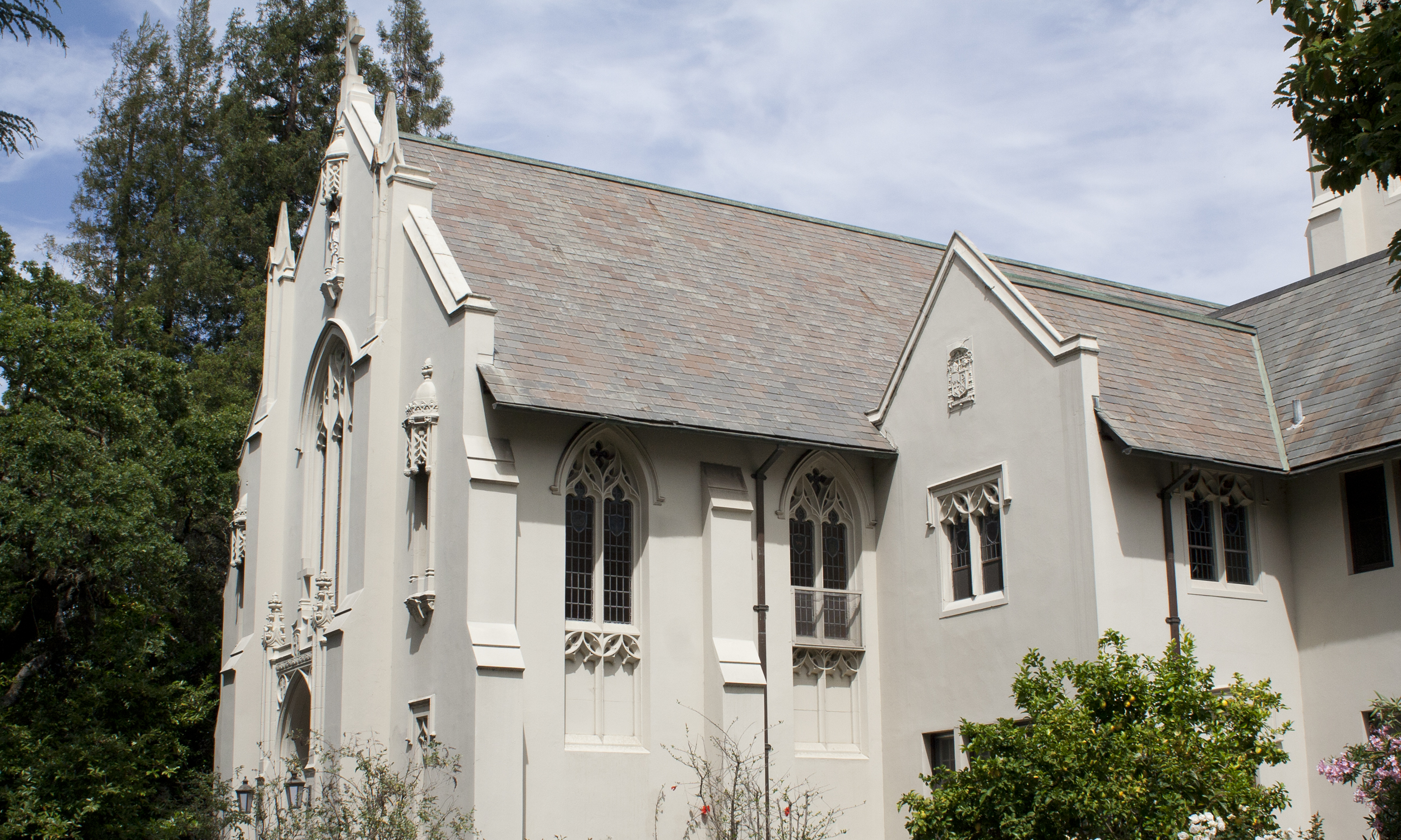 chapel hoursand location -