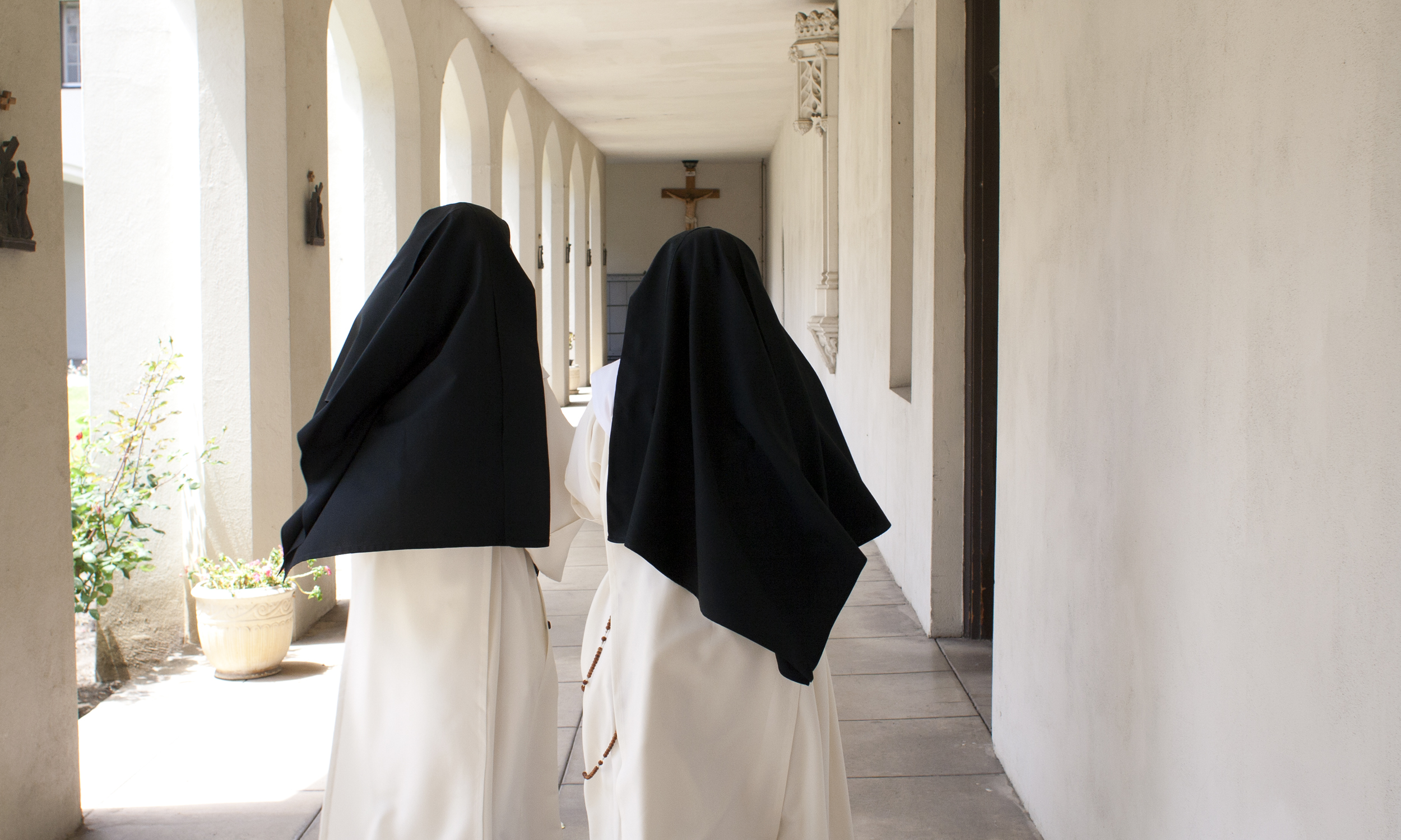 Two nuns in cloister_MG_8294.jpg