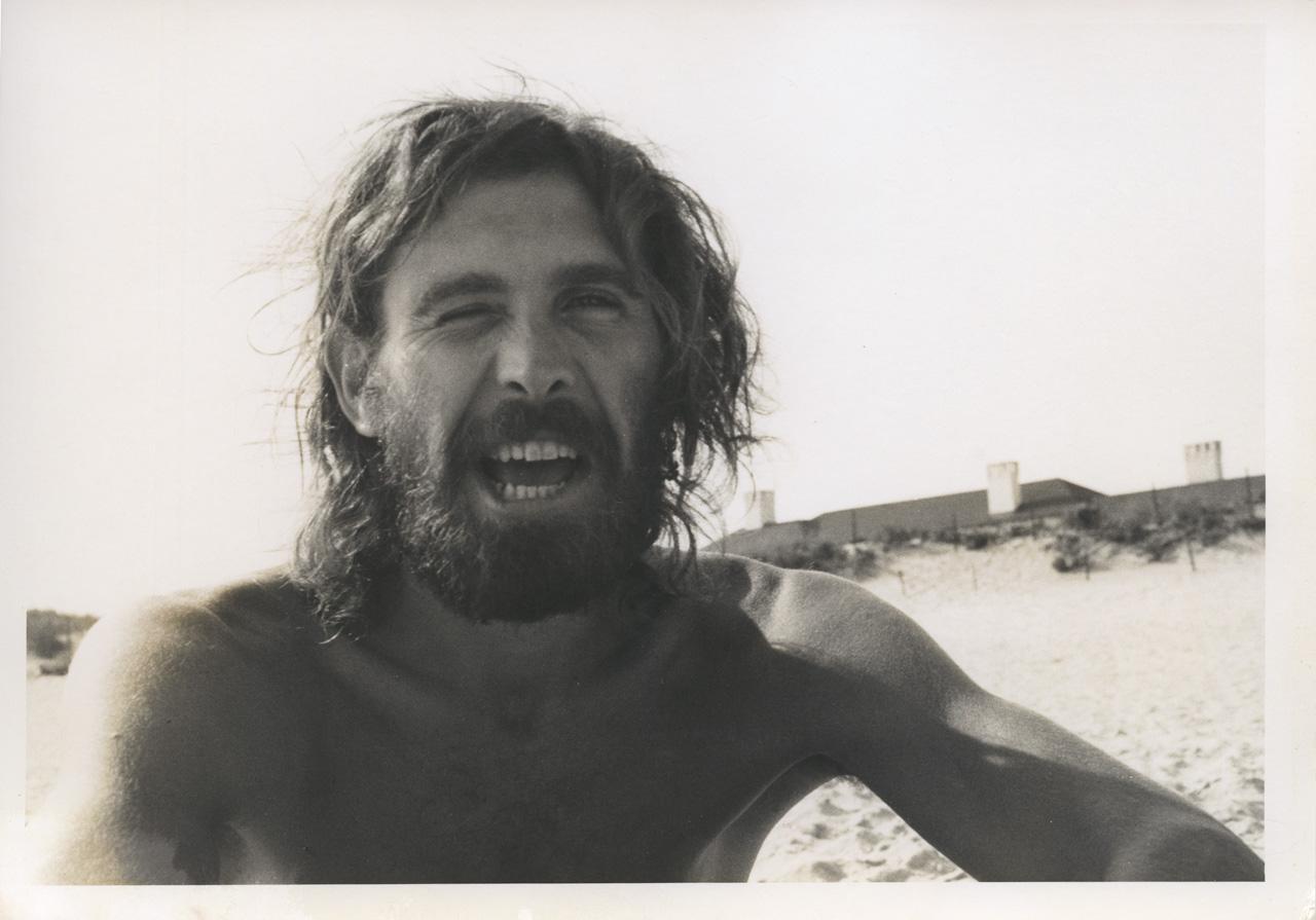 Alan Shields on a Los Angeles beach, 1976. Photo by John Torreano.