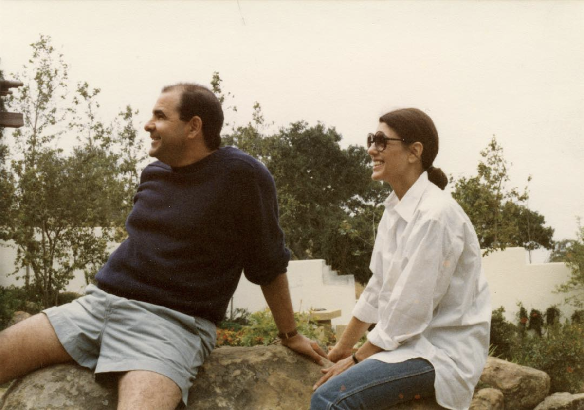Joel Shapiro and Paula Cooper in Santa Ynez Valley, June 1983. Photo by Doug Cramer.