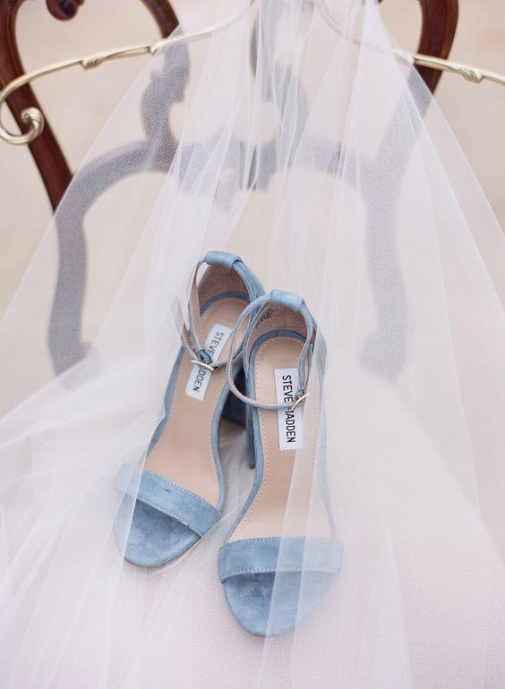 Image via Pinterst (www.weddingchicks.com)