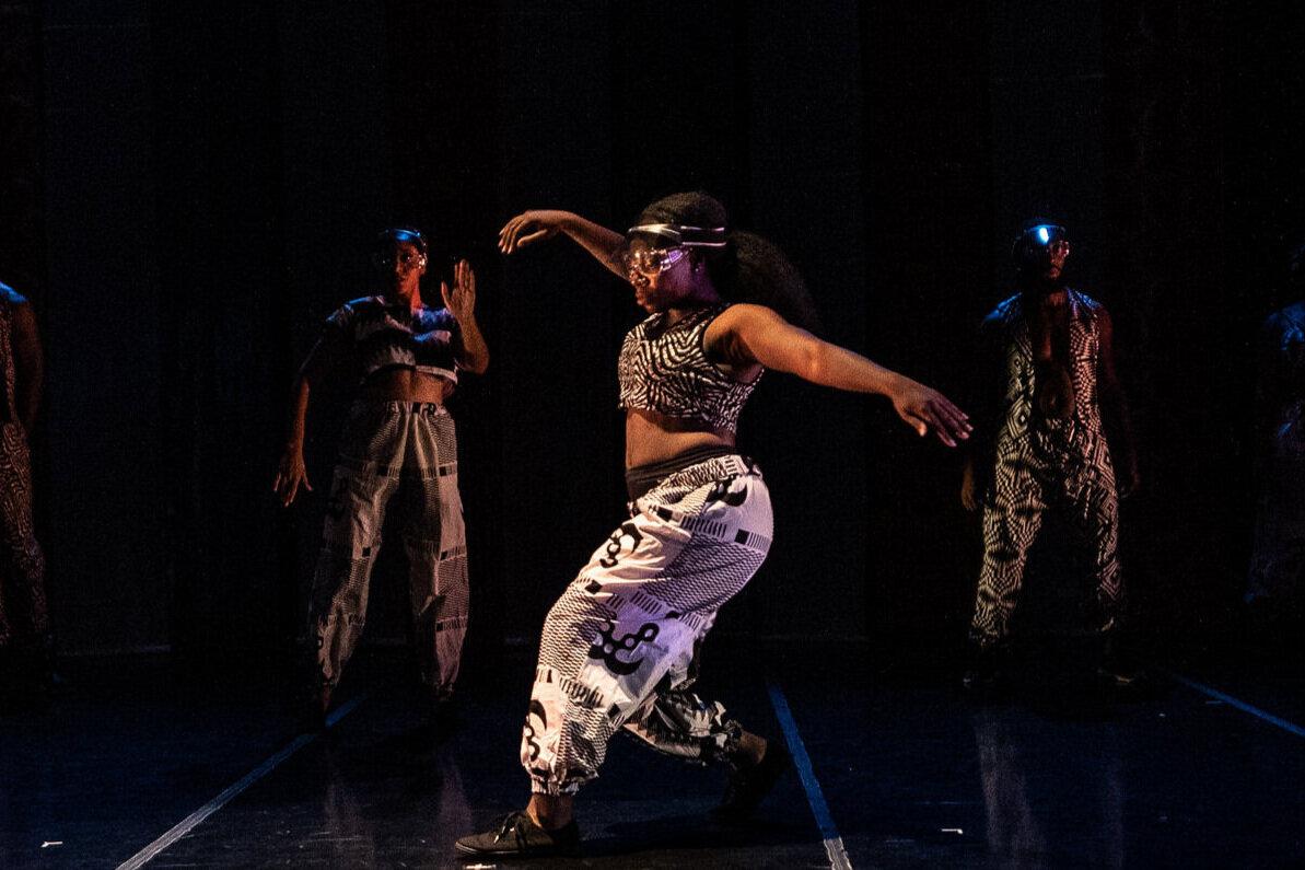 DANCER/PERFORMER: JAMIE