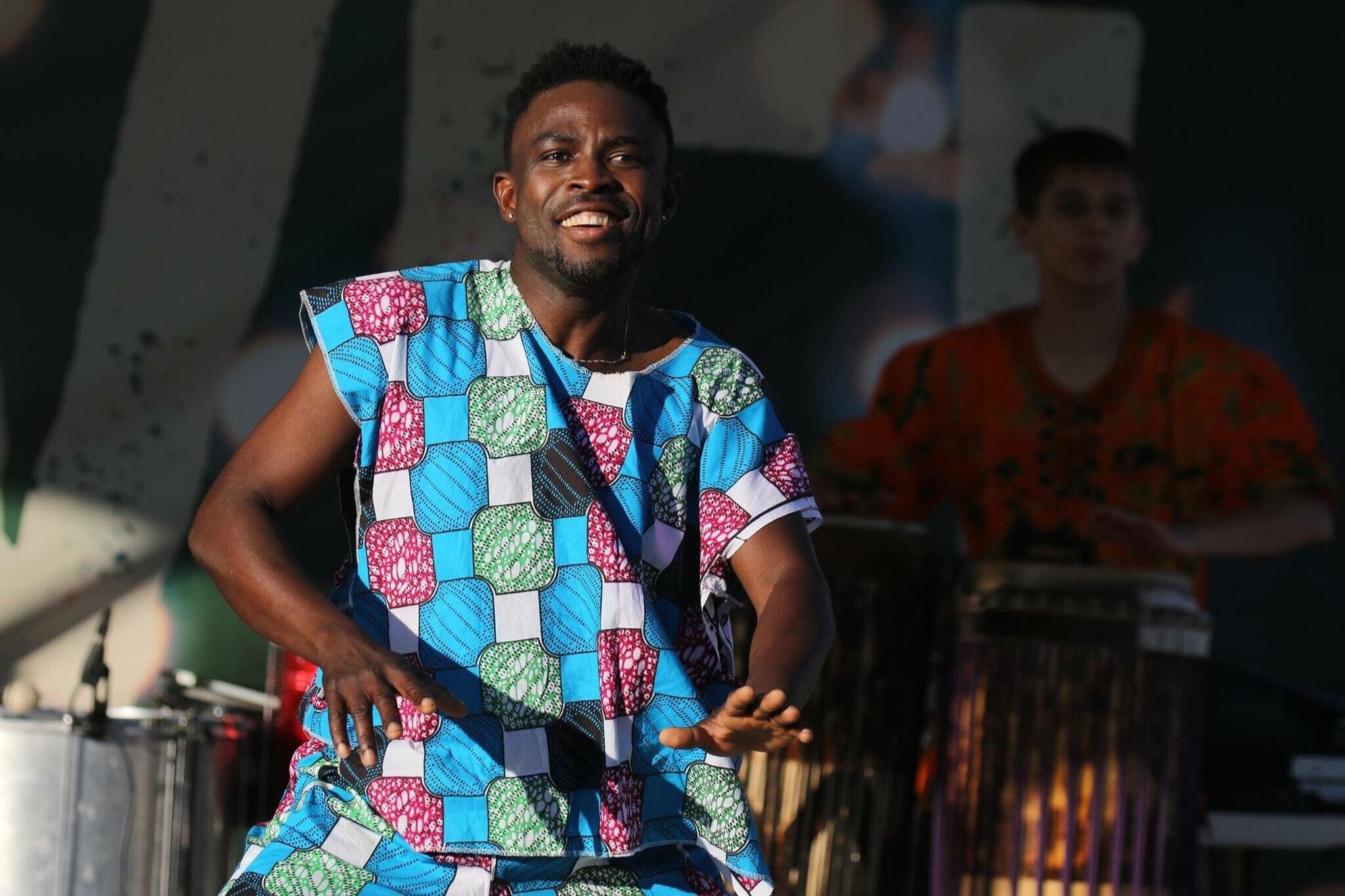 DANCER/PERFORMER: LOUBAYI