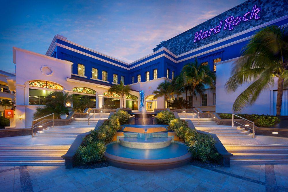 hard_rock_hotel_riviera_maya_stair-to-heaven-at-dusk-1.jpg