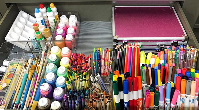 Avoid classroom clutter by using dividers wherever possible, especially in supply drawers. Then label each so there's a specific place for every item to go. That will not only make it easier to find exactly what you need, when you need it, but it will also help students know where to put things back. #aplaceforeverything . Tag your favorite teacher. . . . #backtoschool #school #newschoolyear2019 #endofsummer #classroom #classroomideas #classroomorganization #classroomclutter #declutter  #classrooms #classroompinspirations #classroomtransformation #classroomgoals #tidyup #simplify #getorganized #professionalorganizer #professionalorganizing #teachersofinstagram #teachers #teachingideas