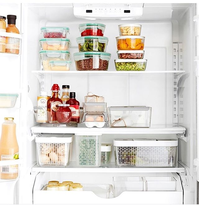 Completely swooning over this refrigerator's organization. Matching Tupperware, canisters, and bins go a long way when it comes to how good the inside of a fridge looks. . . @williams_sonoma . . #fridgegoals #fridgeorganization #refrigerator #kitchen #kitchenorganization #organizedkitchen #simplicity #simplify #professionalorganizer #kitchens #bhg #bhghome #getorganized #kitchengoals #organizeyourlife #bluepencilhome #organizedaf #homeorganization #housegoals #declutter #howyouhome #memphishomes #memphisorganizer #rshome #myhousebeautiful #bhg #bhghomes #hgtvhome #simplehomestyle  #minimize #createcalm