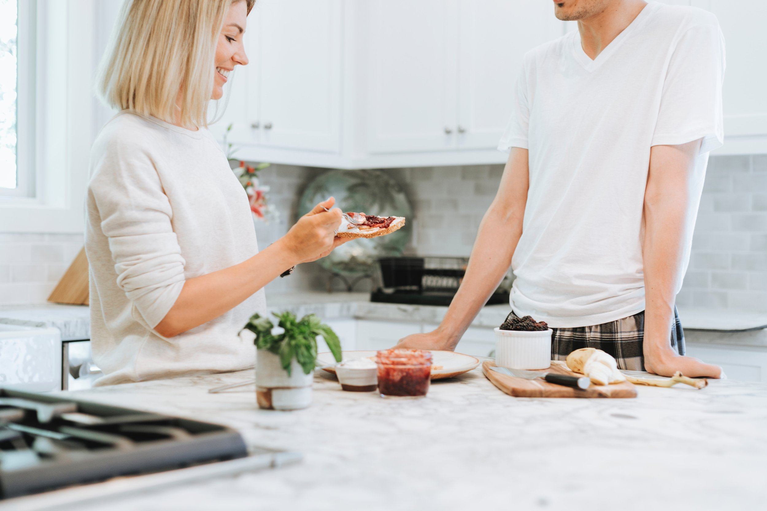 bread-brunch-couple-1656538.jpg