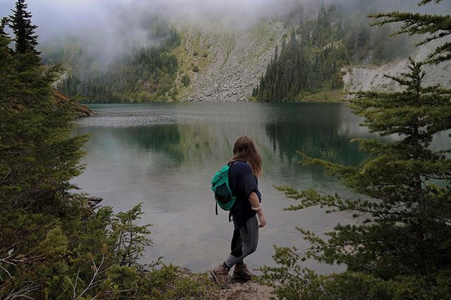 Will hike for lakes . . . . . #washington #travel #wanderlust #explore #pnwonderland #girlswhotravel #travelgram  #nationalparks #traveler #traveling #photooftheday #seetheworld #trips #travelblog #goodvibes #vacation #mountrainier #girlswhohike #parks #nature #pnw #eunicelake #tolmiepeaklookout #alpinelakes