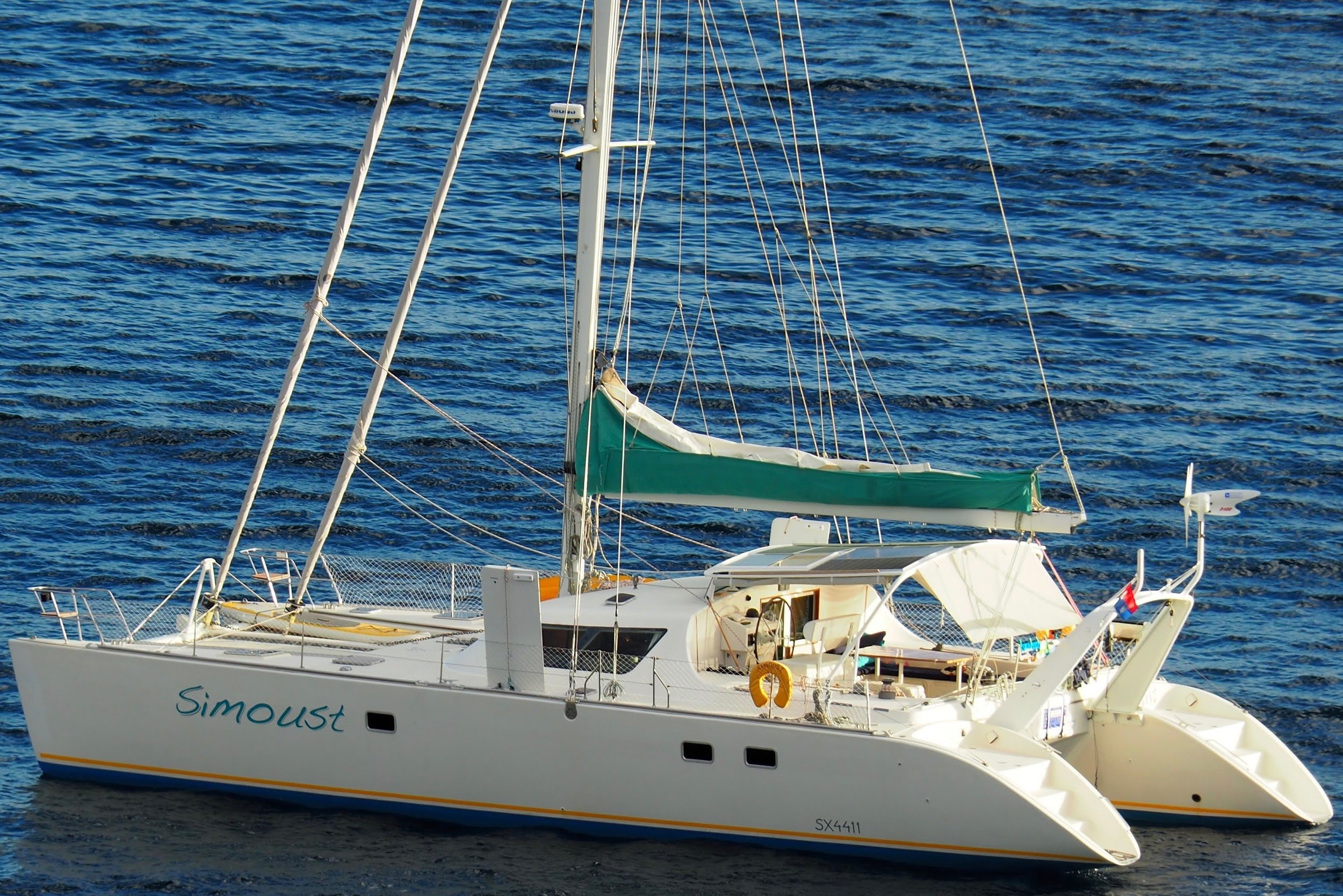 simoust_switch51_catamaran_exterior