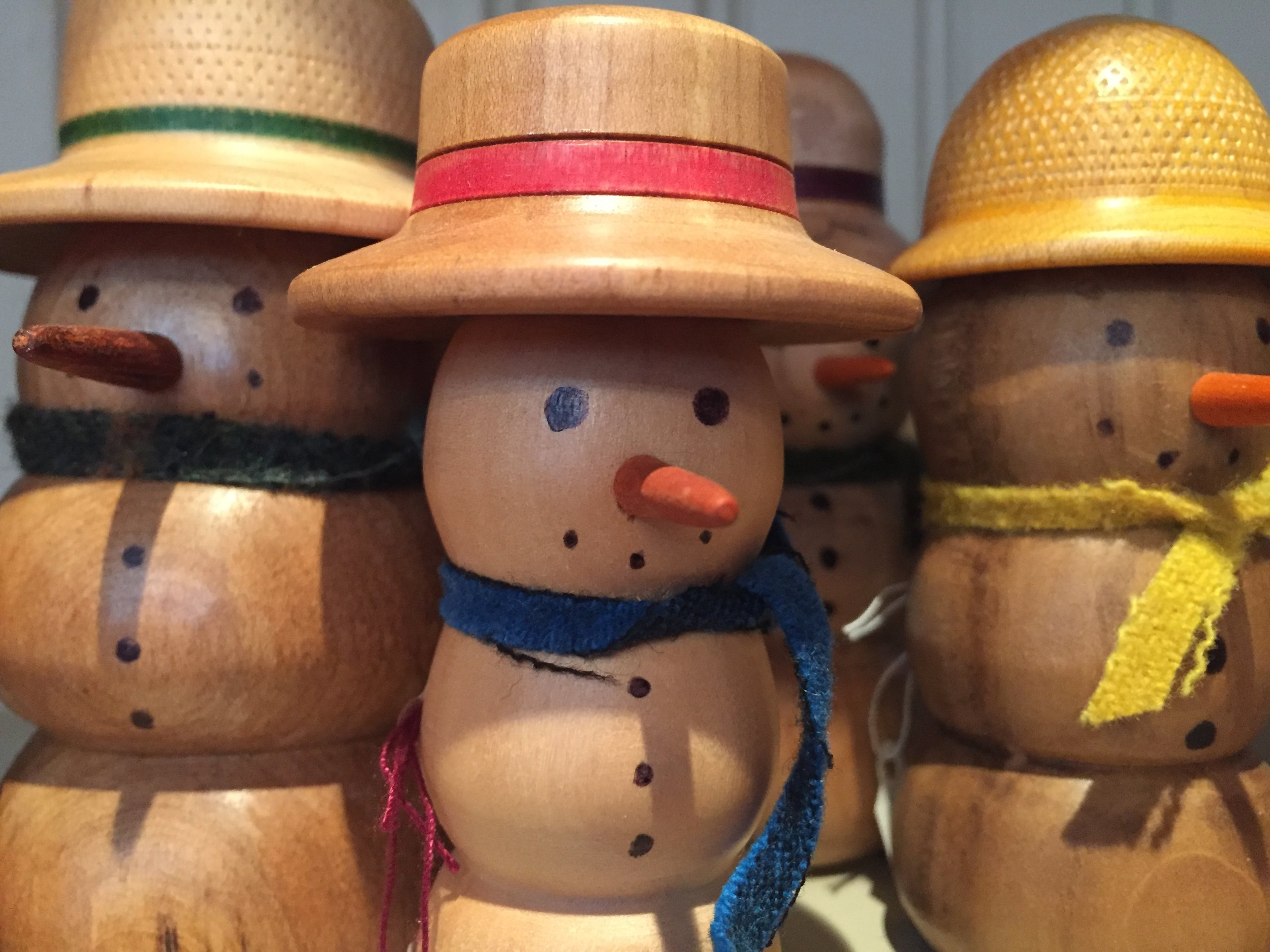 Snowmen in a Variety of Woods & Scarves