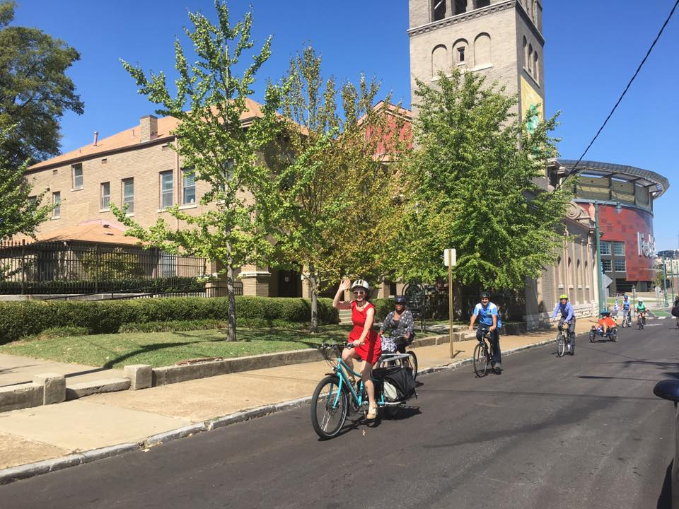 Downtowners' Bike to Lunch