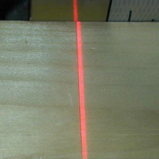 laser&line.jpg