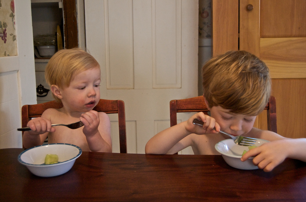 Kids eating breakfast back-to-school