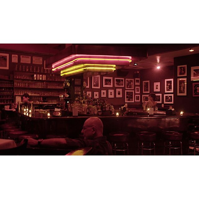 jazz in the city . . . . . #DigitalPhotography #Photography #PhotoOfTheDay #PicOfTheDay #NewYork #InstaPic #MirrorlessCamera #SonyAlpha #VisualArt #bagobones