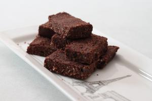 mid_Brownies_in_Stack.jpg