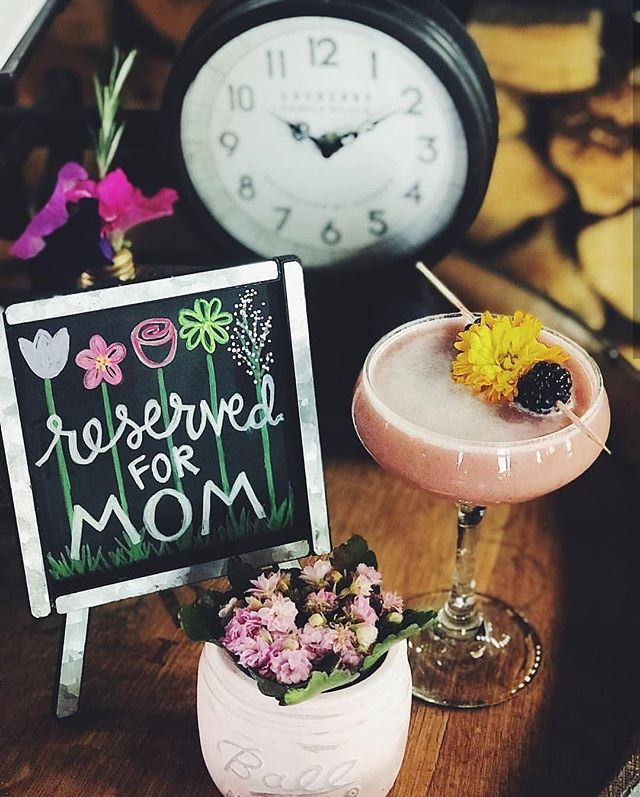 Happy Mother's Day to all of you lovely ladies who make things happen! ❤❤❤ • • • • #whiskeycakekaty #whiskeycake #mothersdaykaty #katybrunch #bestdayever❤️
