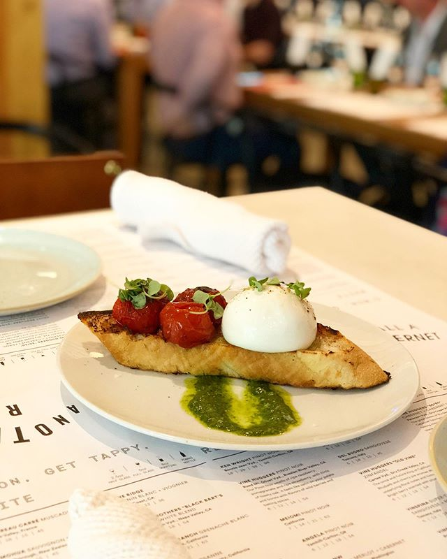 What's better than Burrata? Well...Burrata served with Campari tomatoes, ciabatta and basil pesto, of course! • • • #burrata #sixtyvinesuptown #wineanddine #winelover #cheesemonger