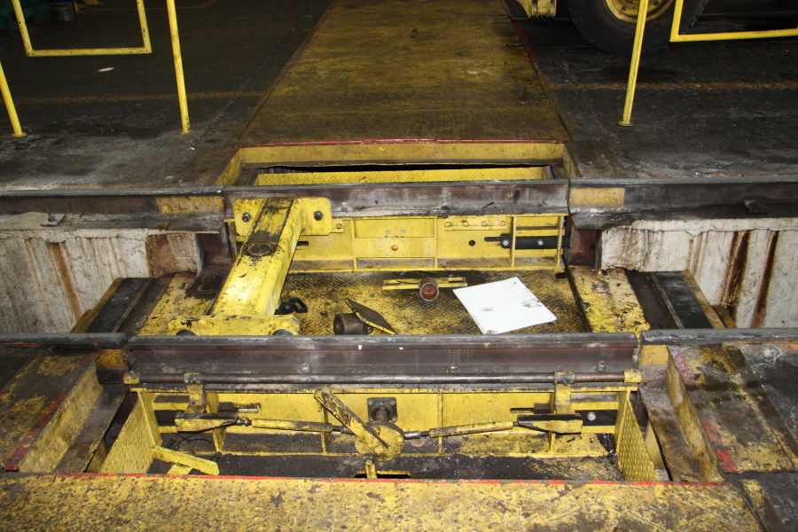 Drop table in the Avon Yard locomotive shop
