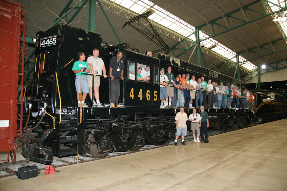 Another group photo taken with PRR E44 4465