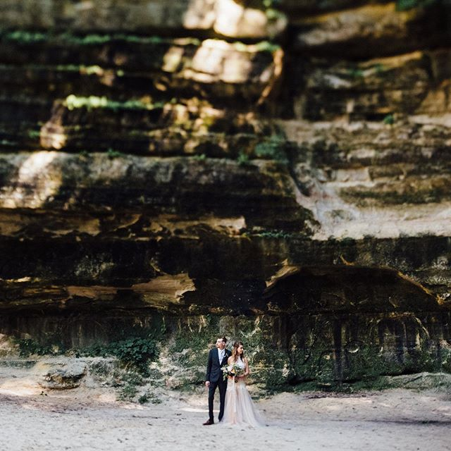 """We asked what the heart/vision is behind @clingpeck 📷🎥 • """"The heart beat behind Cling & Peck is about telling stories and leaving legacy through our work. Whether it's capturing a beautiful moment of the mother and father of the bride looking at each other during the ceremony with tears in their eyes or the groom in the way he looks at his bride for the very first time is something we feel very honored to do knowing that the visuals we capture may be looked at for generations to come."""" • Follow @clingpeck Read more from @egsather LINK IN BIO 🙌🏻"""