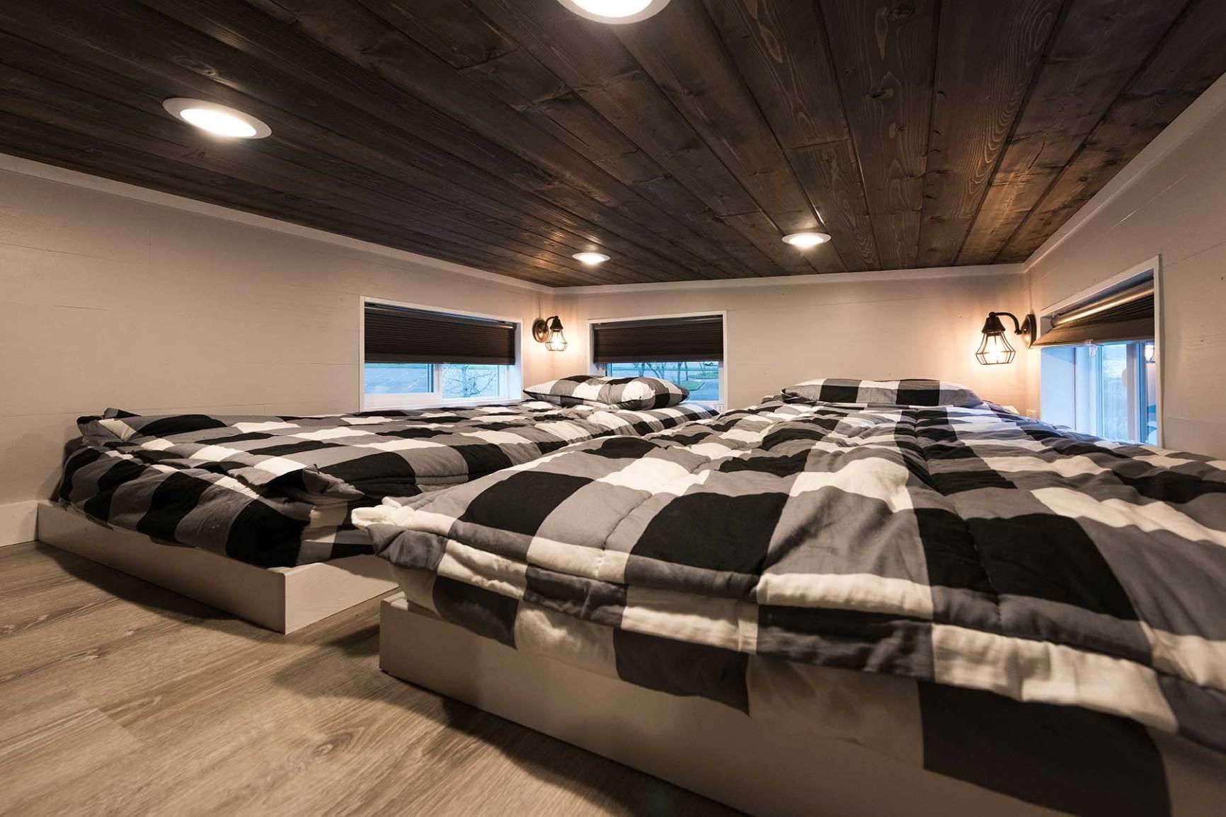 cayman_sleeping_loft.jpg