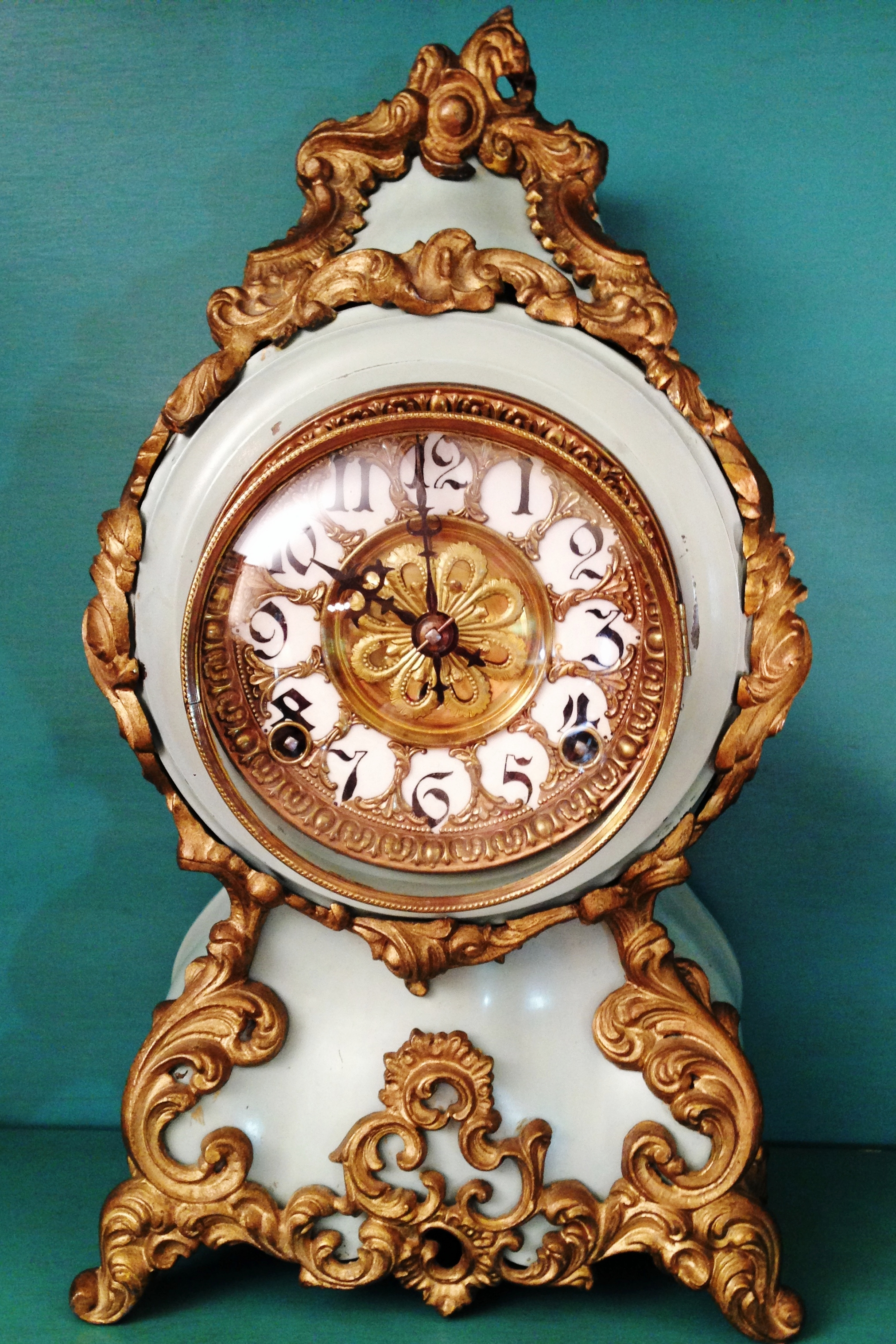 Appraisals - We help with taking inventory of assets for probate and estate tax returns. Maybe you need some advice on grandpa's record collection or are curious about some inherited antiques.