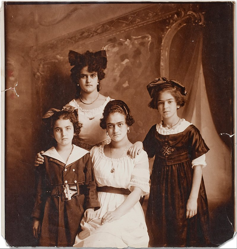 Frida (right), age 9, and her sisters. photo taken by her father, 1916.