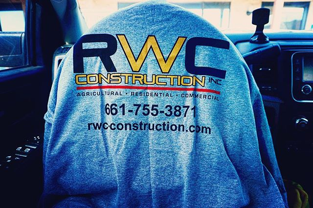 What a awesome surprise I received from our good friends at RWC construction!! Thank you guys, Awesome shirt!!!! #mcmasterironco#licensed#bonded#insured#lovewhatyoudo #entrepeneur #quality #iron #lovemylife#hustle #sales#outworkthecompetition #dreamcometrue#goals#contractor #welding#millerwelders #ornamenta#structural#fabrication #fabricator#welder#companyprofile #makita#lincoln#ironworker#highrise#100to0#10x