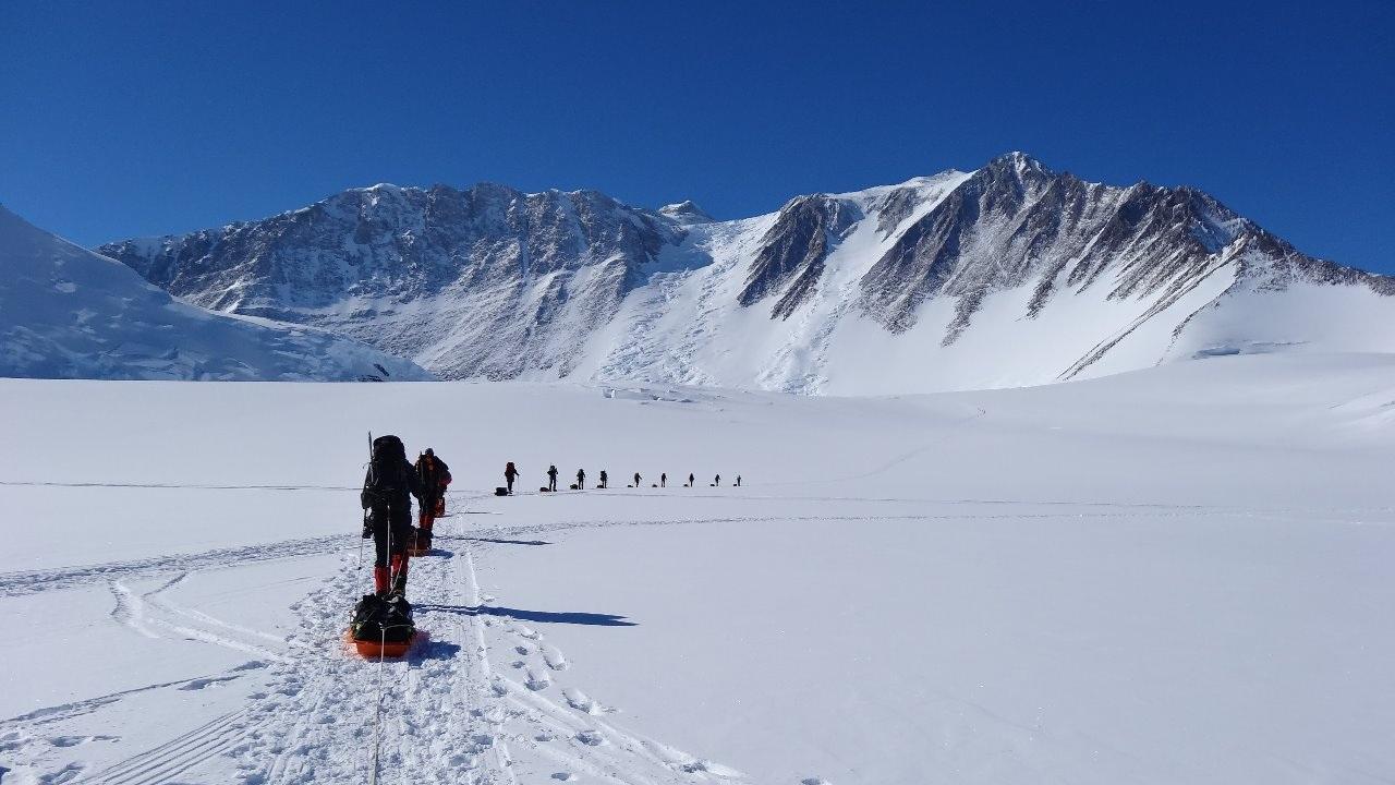 Foto:  Arrastando Treno na Antarctica