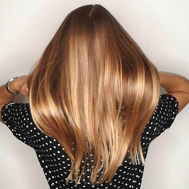 Mangler dit #hår #glød og #glans efter sommeren ☀️er farver fra #ingridicolor #elumen uden giftig kemi en god ide ✨✨✨ #kurbehandling #grønsalon #smukt #sundt #øko #salon